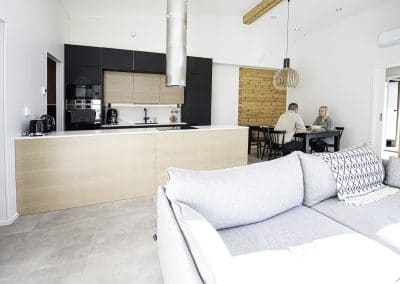 Keittiö Anttilanrannantie Riverside Luxury Suites