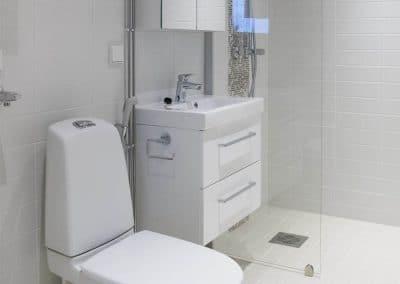 Kivikatu vessa kylpyhuone Rovaniemi